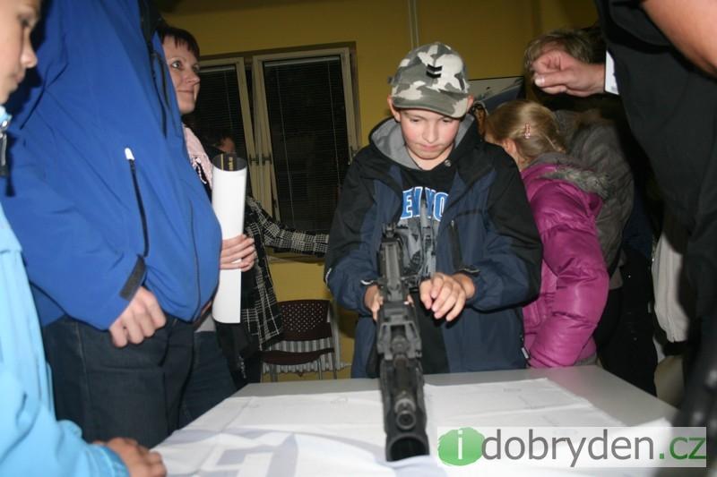 Dne otevřených dveří v České zbrojovce v Uherském Brodě 2011
