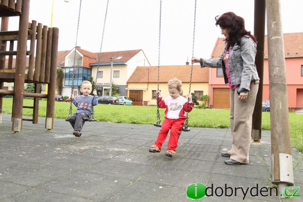 Dětské hřiště v Šumicích