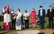 Památník jako připomínka návštěvy papeže Jana Pavla II.