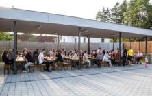 Slavnostně otevřený zrekonstruovaný areál Školka