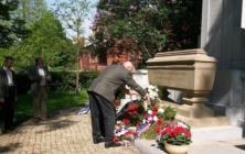 Položení věnců k 70. výročí ukončení druhé světové války v Uh. Brodě