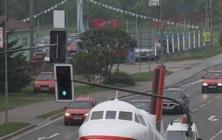 Přesun letadla do Starého Města