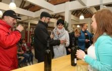 Košt Svatomartinských vín ve Slovácké tržnici