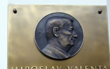 Odhalení pamětní desky Miroslavu Valentovi
