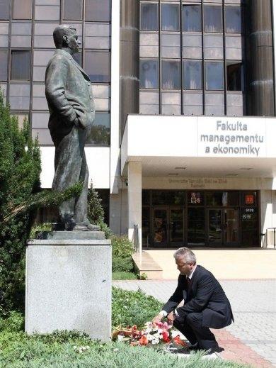 Hejtman uctil památku Tomáše Bati