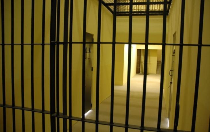 Čmáralovi hrozí rok vězení