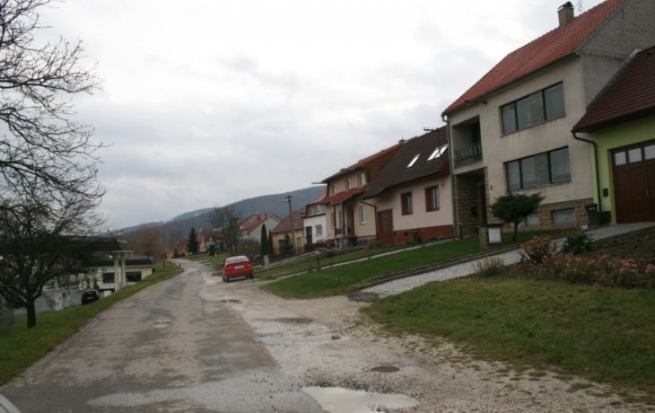 Strání zavřelo ulici Mechnáčky