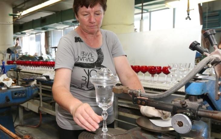Skláři budou nabízet skleničky zároveň v Květné a Frankfurtu