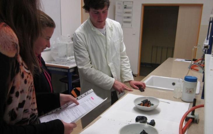 Školáci koumali v Experimentáriu
