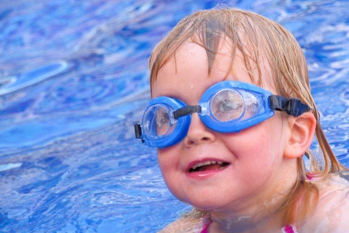 Plavecká sezona: Veselí dočasně zlevňuje, v Písku zdražili