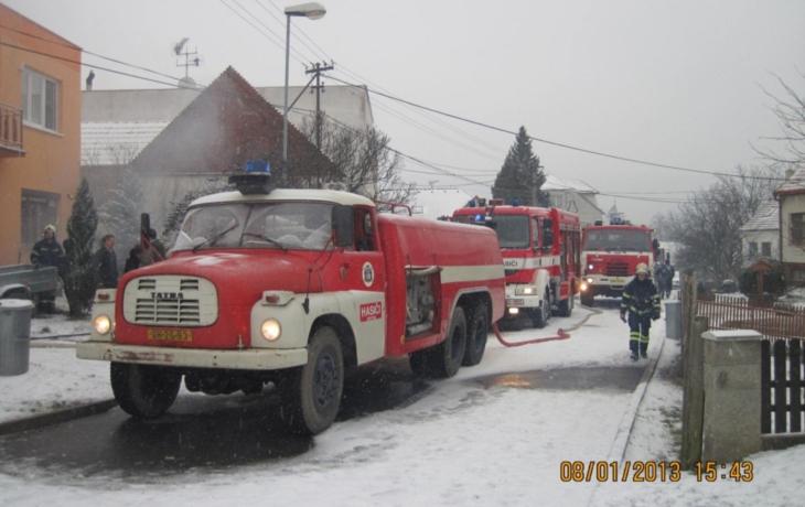 V husté zástavbě hořel rodinný dům