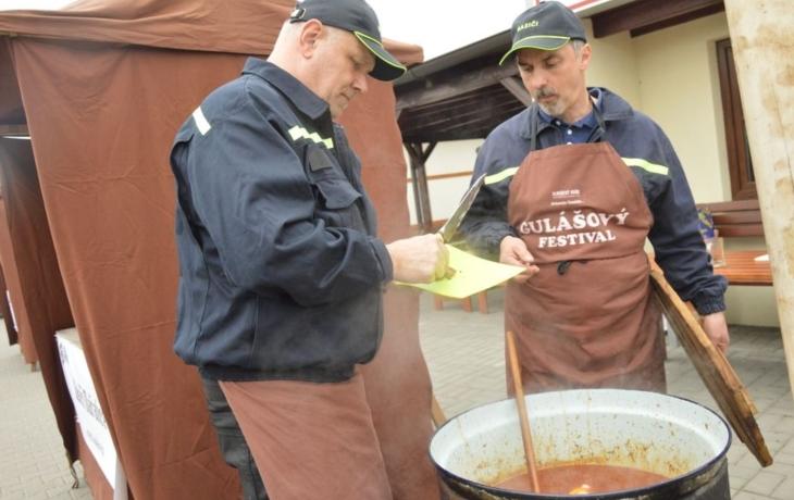 Nejlepší guláš umí hasiči z Mařatic