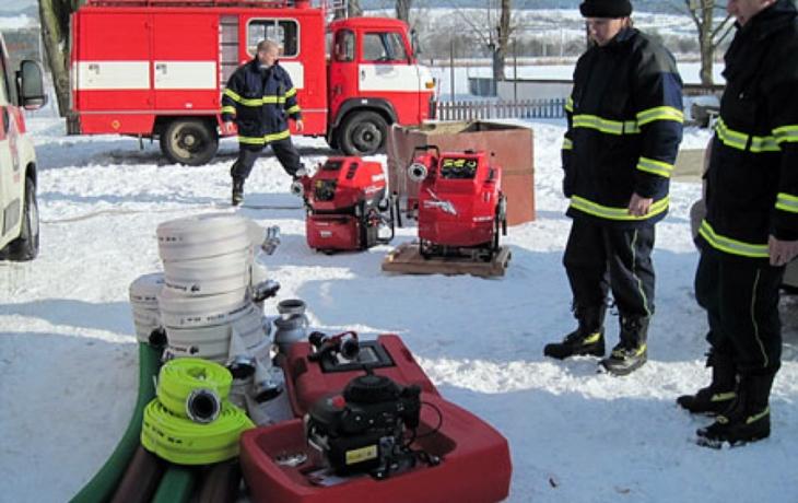 Opustí hasiči stísněné prostory?