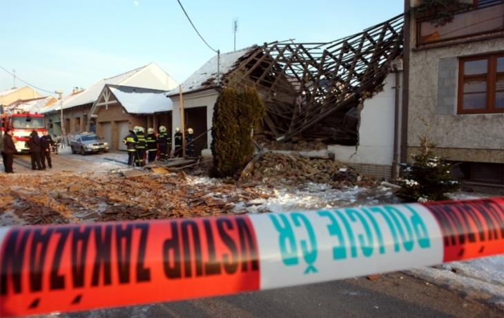 Výbuch poznamenal půl ulice