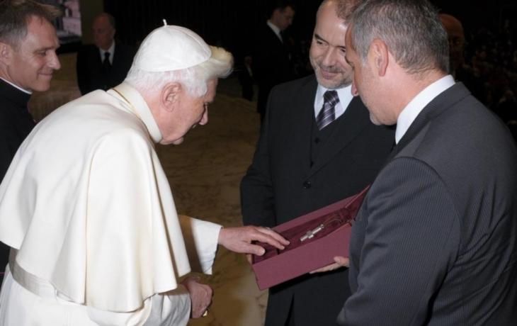 Obdarovali papeže, přijede na Velehrad?