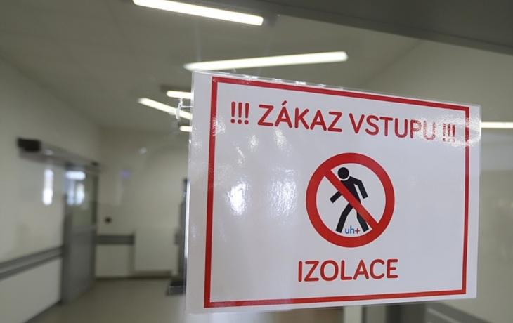 Tři pacienti, kteří leží na infekčním v Hradišti, jsou ve vážném stavu