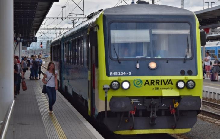 Revoluce na železnici. Nové vlaky nabídnou přípojky na elektřinu, web, vodu zdarma i klidový oddíl