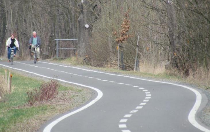 Cyklisté, pozor! Kolem lázní neprojedete
