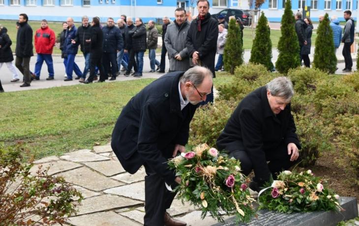 Tragédie v Mesitu: osmnáct obětí uctili u jejich pomníku