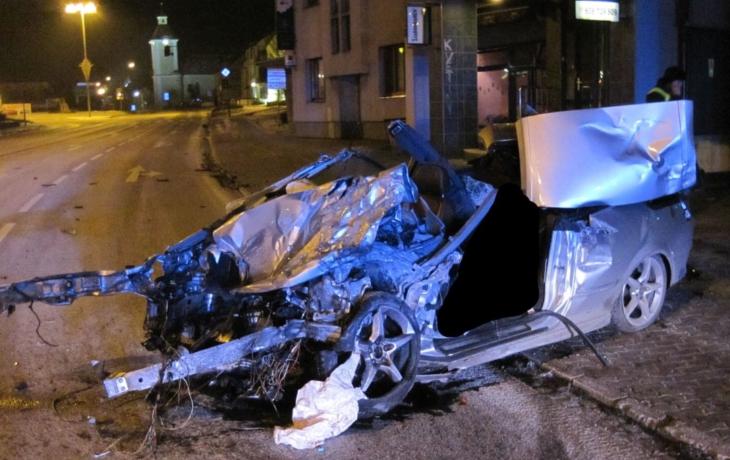 Dobrá zpráva: Mrtvých na silnicích ubylo, klesá také počet zraněných