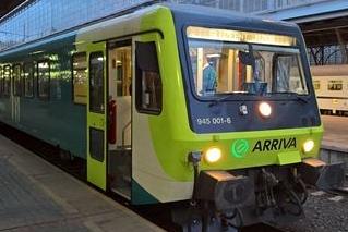 Covid-19 mění jízdní řády autobusů i vlaků. Platí vánoční režim, desítky vlaků nepojedou vůbec