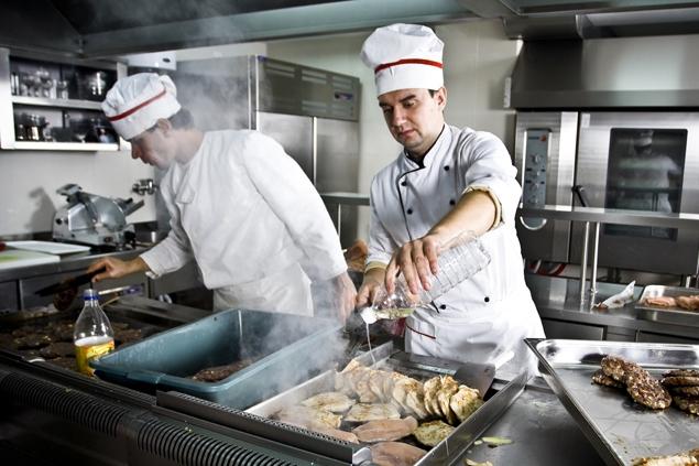 V nemocniční kuchyni provaří 62 milionů