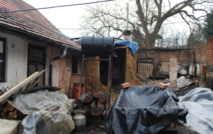 Na vyhořelý dům vybrali 14 tisíc