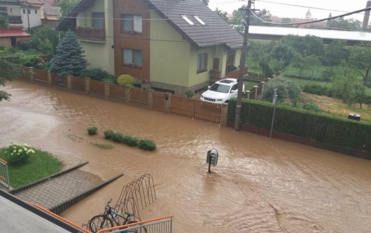 Průtrž v Kunovicích zaplavila školku, sklepy a garáže