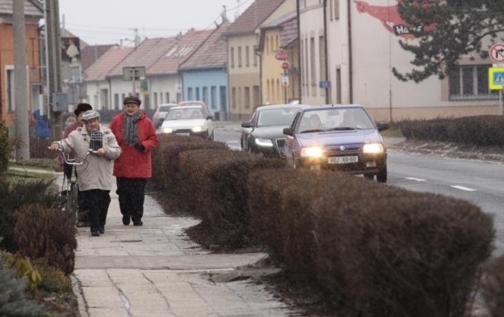 Obec získá chodníky zdarma