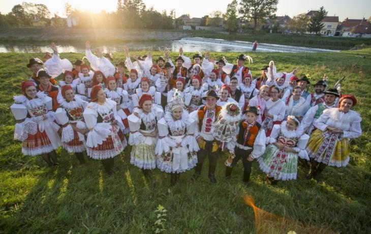Ostrožský kroj je bohatý poklad našich předků, říká stárka Viktorie Kunovjánková