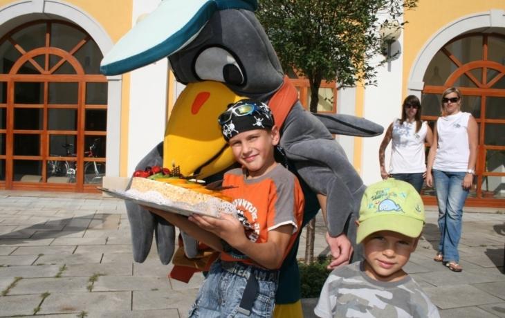 Reptákův dort putoval do Tučap