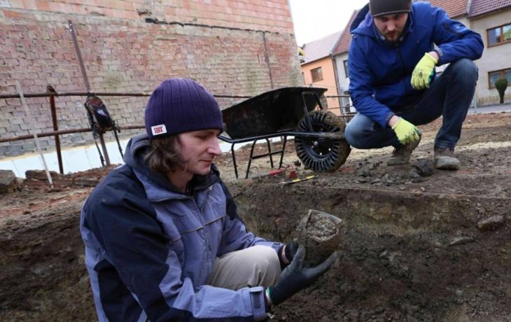 Archeologové se vrátili do Brodu. Co objevili, zatím tají