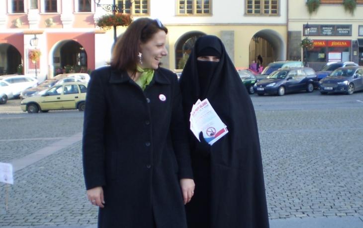 Nechceme muslimy v krojích. Ale naše pravidla respektovat musí