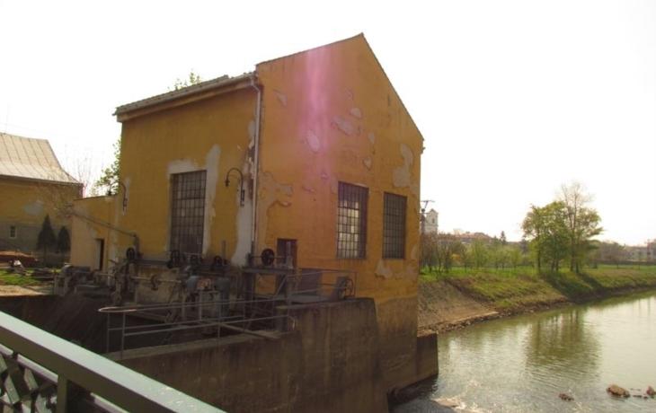 Veselí zpřístupnilo elektrárnu i hřbitov