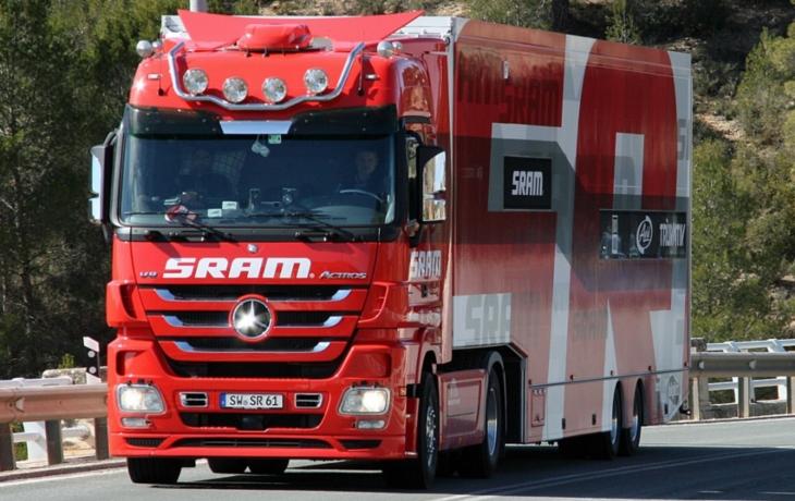 Sady vysílají S.O.S. Obyvatelům nedají v noci spát těžké kamiony