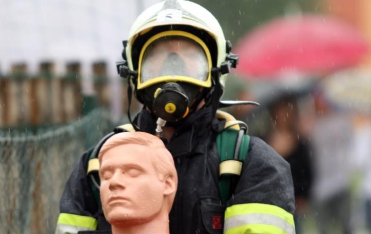 Kolik hasičů přežije?