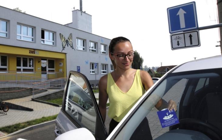 V Kunovicích začal boj se živelným parkováním. Bez kotouče to už nepůjde!