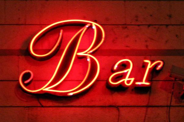 Lidé se nevyspí, město pošle kontroly do barů a restaurací