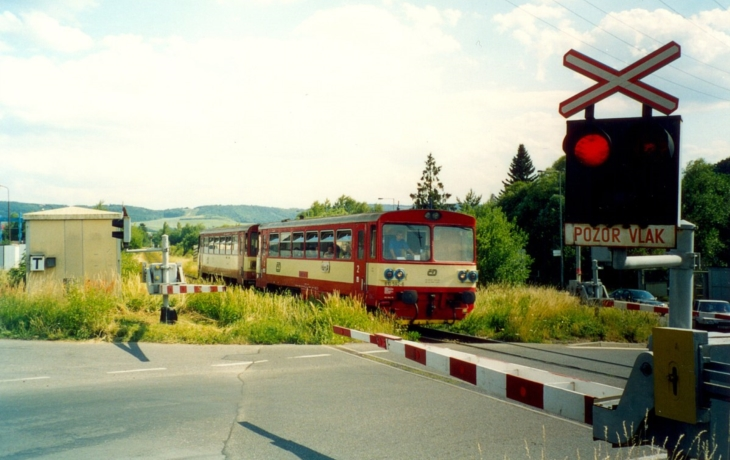 Dopravní komplikace v Hradčovicích. Přejezd čeká uzavírka!