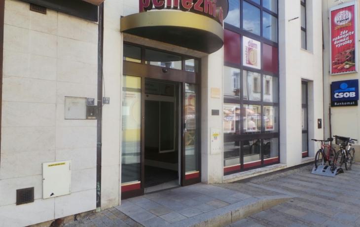 Podnikatelé mohou žádat o úvěr z programu COVID III přímo v centru Uherského Hradiště