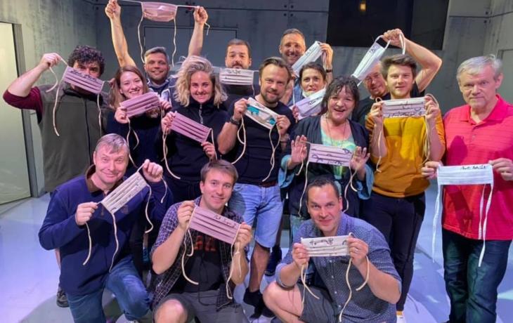 Divadelníci děkují za neslýchanou podporu v těžkých dobách