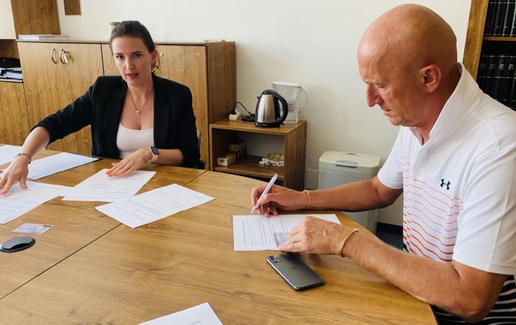 Senátor Valenta bude obhajovat mandát, podal přihlášku k volbám