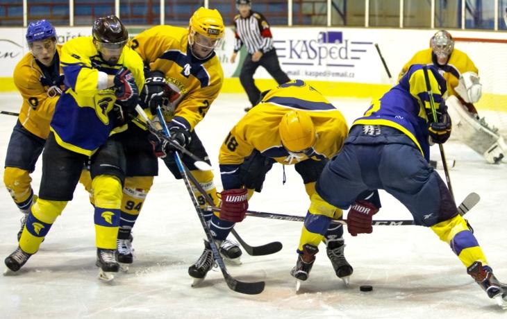 Covid-19 skolil čtyři hráče a kouče Kašného