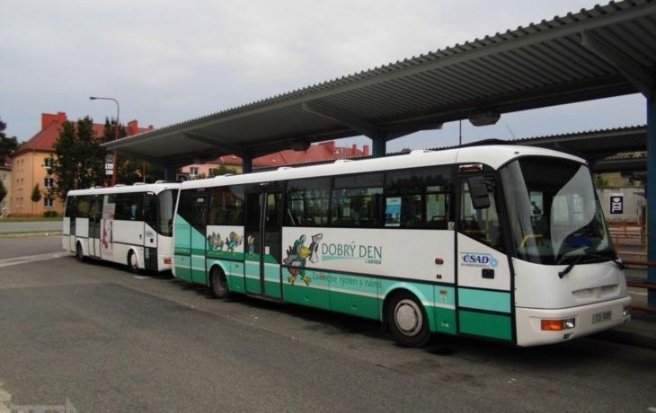 Autobusy (ne)jezdí, třicet řidičů je doma