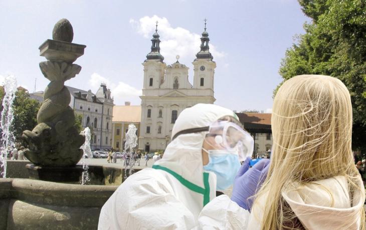 Plošné testování na covid potrvá maximálně pět dnů. Zapojí se praktici, medici i zubaři