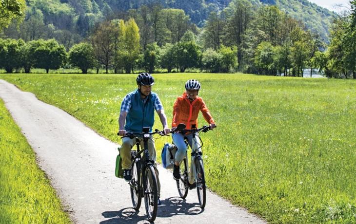 Cyklostezka vyžene školáky od silnice