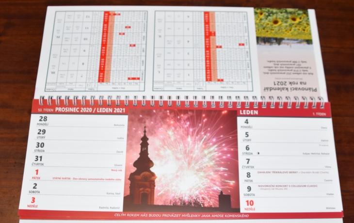 Městský kalendář provází citáty Komenského