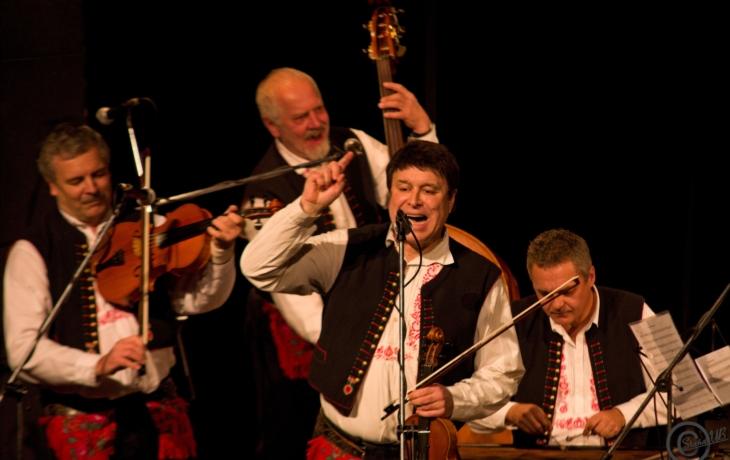 Cimbálová muzika Jaroslava Čecha nese 50 let hrdě jméno svého zakladatele