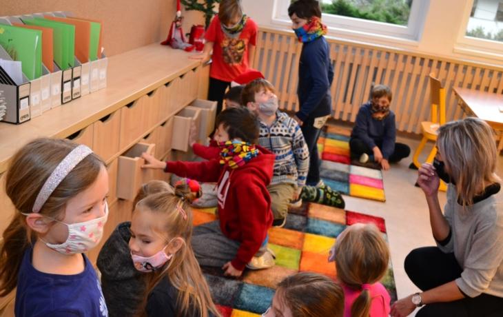Město připravilo žákům vánoční překvapení, dostali nové třídy