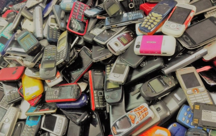 Sběr starých mobilů pokračuje, válí Labyrint